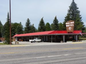 Hungry Horse Motel